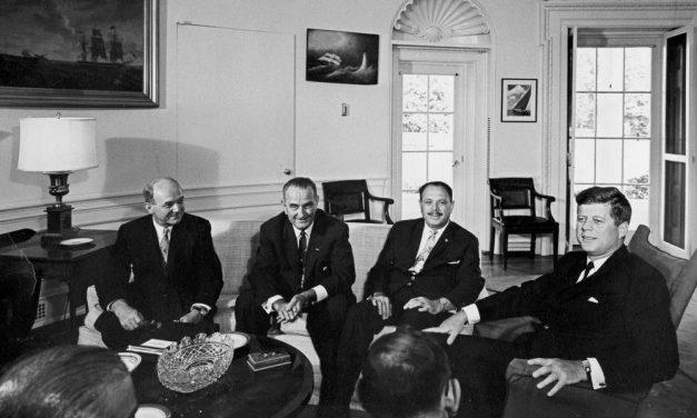 جب امریکہ پاکستان کو سلام کرتا تھا