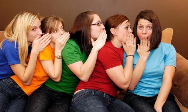 ایک نارمل خاتون روزانہ کی گفتگو میں کتنے الفاظ استعمال کرتی ہے؟