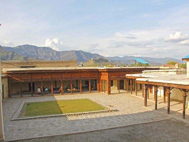 لویہ حجرہ، چنگئی زرہ خیلہ کی سو سالہ پرانی عمارت