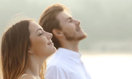 ایک نارمل انسان دن میں کتنی مرتبہ سانس لیتا ہے؟