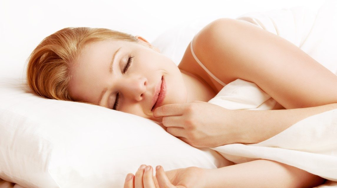 انسان اپنی زندگی کا کتنا عرصہ سوتے ہوئے گزارتا ہے؟