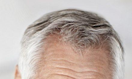 بال وقت سے پہلے سفید ہو رہے ہوں، تو یہ ٹوٹکا آزمائیں