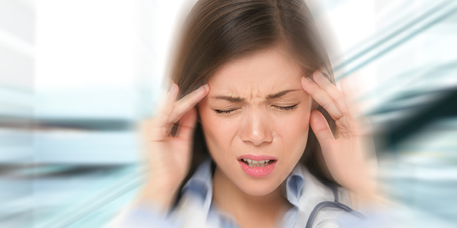 سر میں شدید درد ہو، تو یہ ٹوٹکا آزمائیں