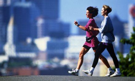 کیا واقعی تیز چال چلنے والے لمبی عمر پاتے ہیں؟