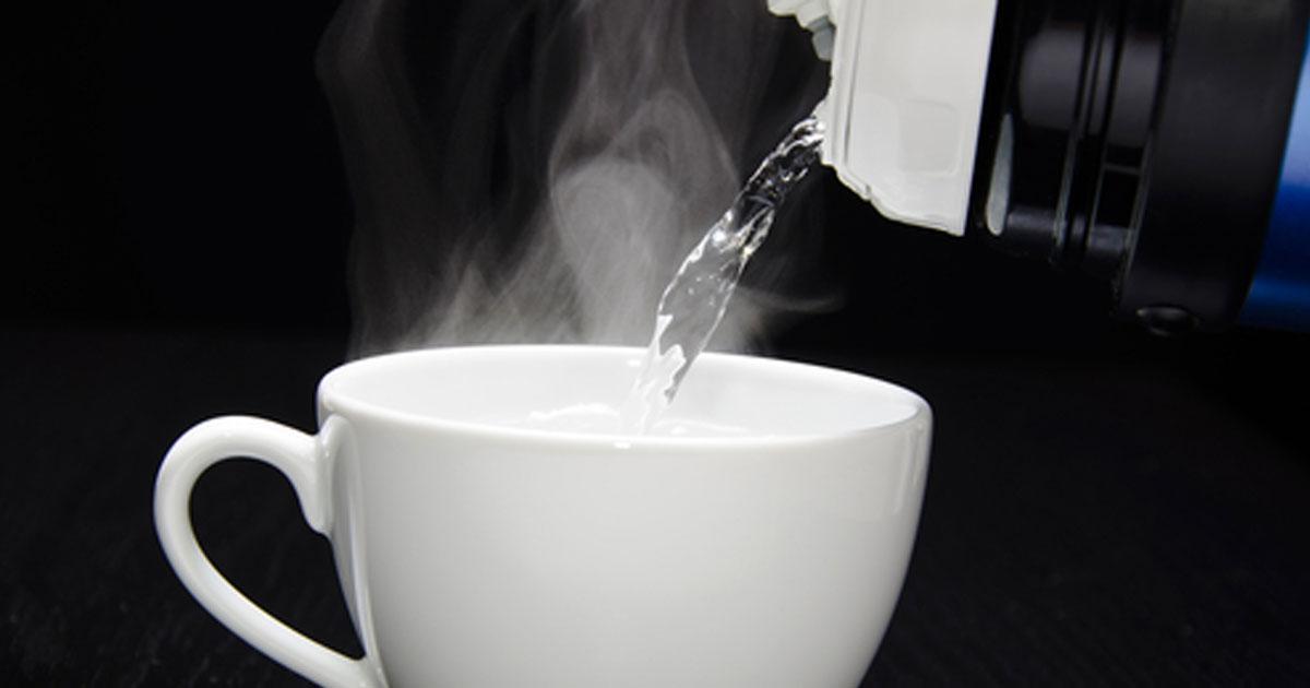 صحت مند رہنے کے لئے گرم پانی پئیں