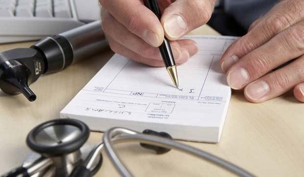 ڈاکٹروں کی خراب لکھائی سالانہ کتنوں کی جان لیتی ہے؟
