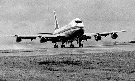 بائیس جنوری، بوئنگ 747 کی پہلی باقاعدہ مسافر پرواز کا آغاز
