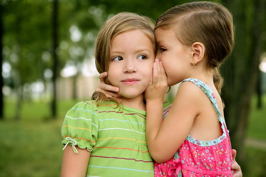 بچیاں، بچوں کے مقابلے میں جلدی بولنا سیکھتی ہیں، تحقیق