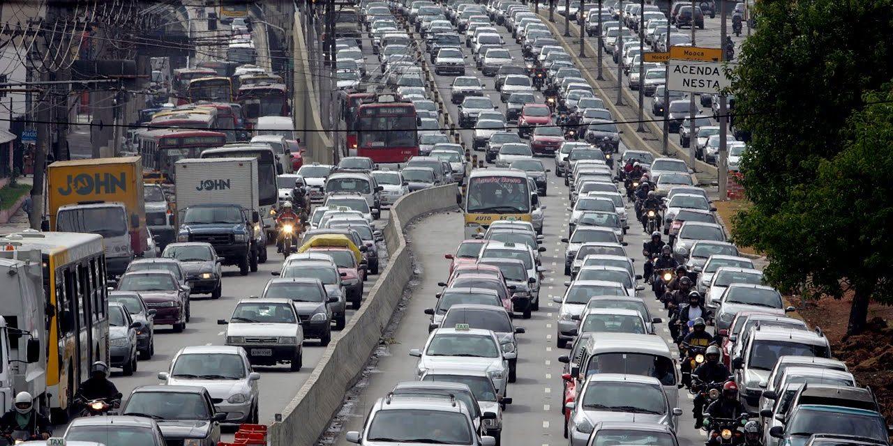 جانتے ہیں دنیا کا بدترین ٹریفک جام کہاں ریکارڈ کیا گیا؟