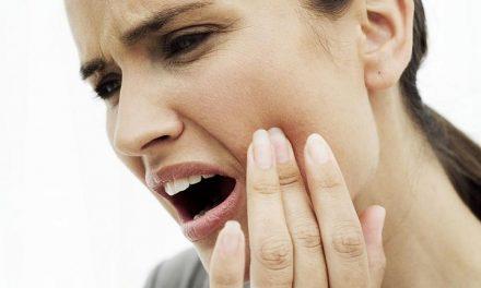 دانت میں درد ہو، تو یہ نسخہ آزمائیں