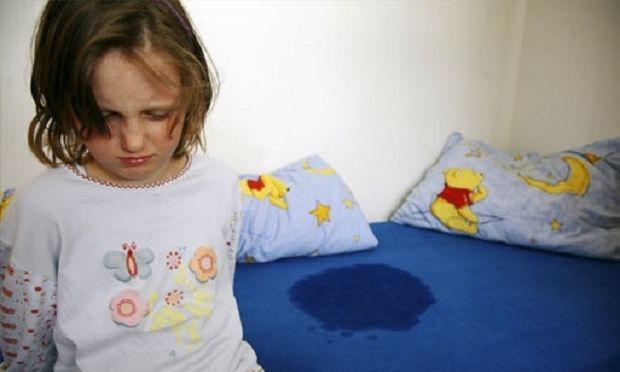 بستر میں پیشاب کرنے والے بچوں کو چھوہارے کھلائیں، تحقیق