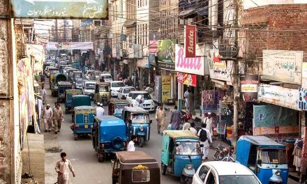 بارہ ہزار غیر قانونی رکشائیں سوات کی ٹریفک میں خلل ہیں، خصوصی رپورٹ
