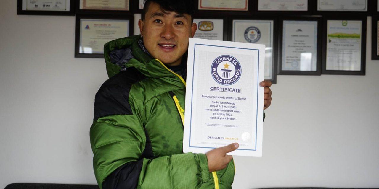 چوبیس مئی، جب پندرہ سالہ نیپالی ماونٹ ایوریسٹ سر کرگیا