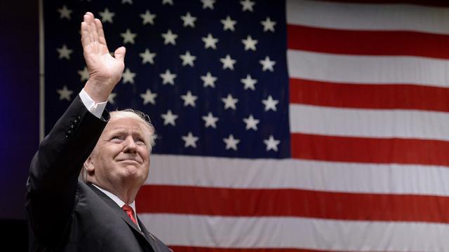 14 جون، سابق امریکی صدر ڈونلڈ ٹرمپ کا یومِ پیدائش
