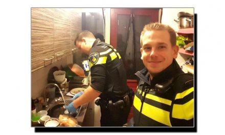 یہ ہیں انسانیت کی داستان رقم کرنے والے پولیس اہلکار