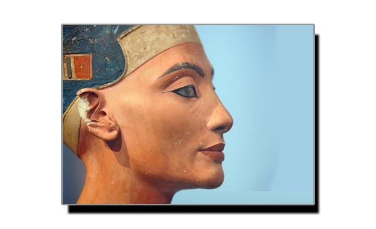 لپ سٹک قدیم سلطنتوں میں سوشل سٹیس کی علامت تھی
