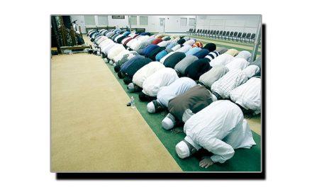 نماز پڑھنے والے کے آگے سے گزرنا جائز ہے کہ ناجائز؟
