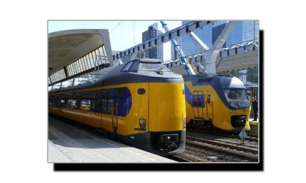 یہ ہیں پون چکی کی مدد سے چلنے والی ریل گاڑیاں
