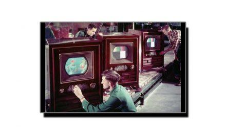 تیس دسمبر، جب دنیا کا پہلا رنگین ٹی وی سیٹ فروخت ہوا