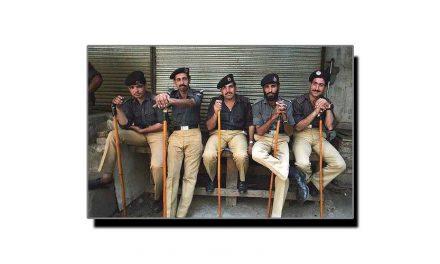 """ہماری """"مثالی پولیس"""" کا کارنامہ"""