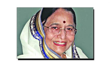 25 جولائی، پرتیبھا پاٹل بھارتی کی پہلی خاتون صدر بن گئیں