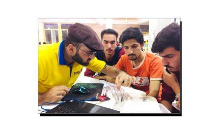 """پاکستان کا پہلا ورچوئل سکول """"SKOOL21"""""""