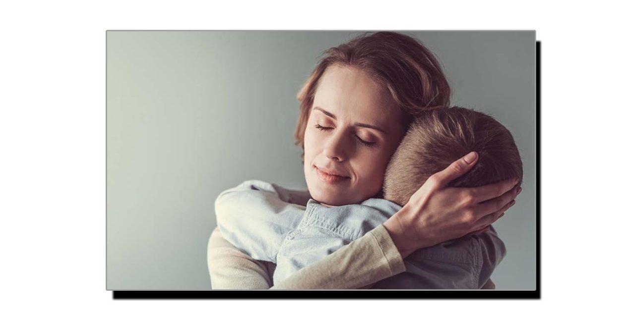ماں کی میٹھی آواز ذہنی دباؤ میں کمی لاتی ہے