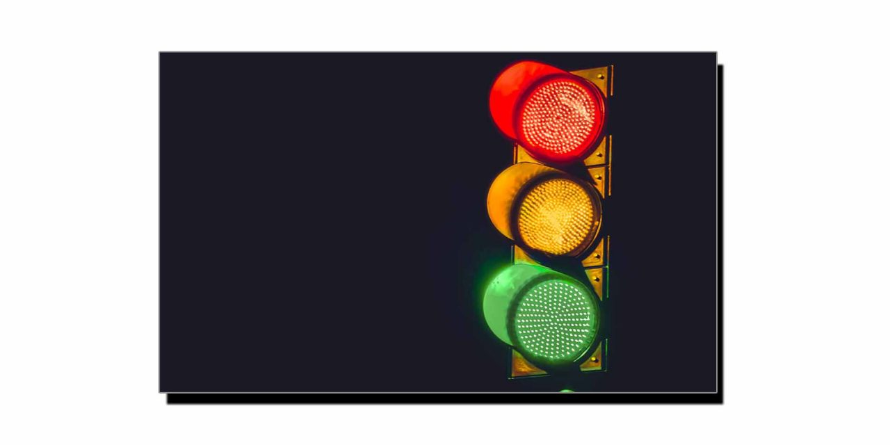 5 فروری، نیویارک میں سہ رنگی ٹریفک لائٹ اپنائی گئی