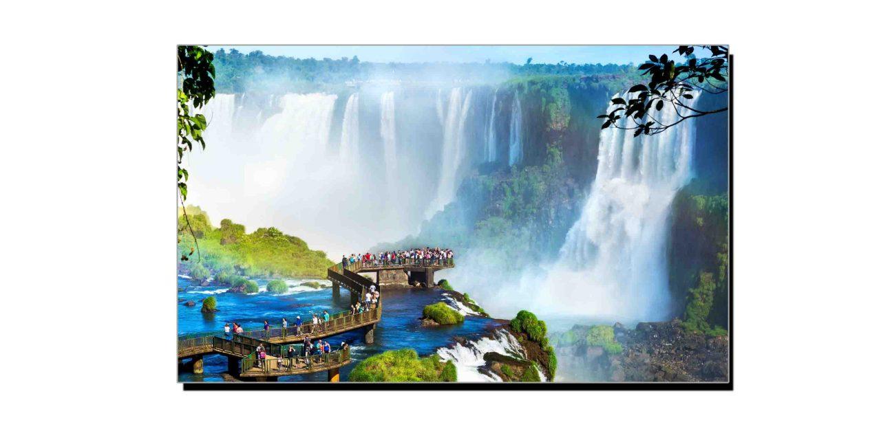 دو ملکوں کے درمیان سرحد کا کام دینے والی آبشار