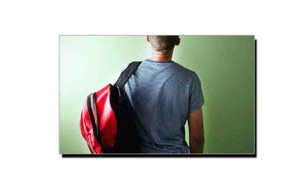 ایک کندھے پر بھاری بیگ لے کر گھومنے کا نقصان جانیے